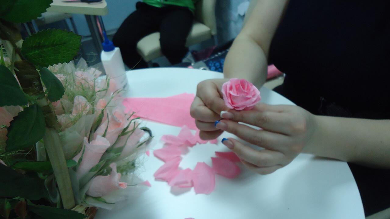 Мастер-класс «Конфетная роза»