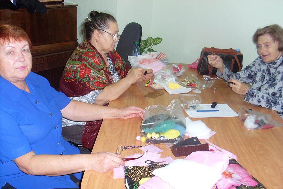 Мастер-класс по изготовлению бус из ткани
