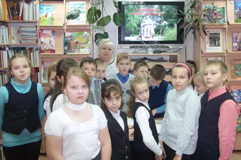 Час мужества «К Победе шел Россия, твой солдат»