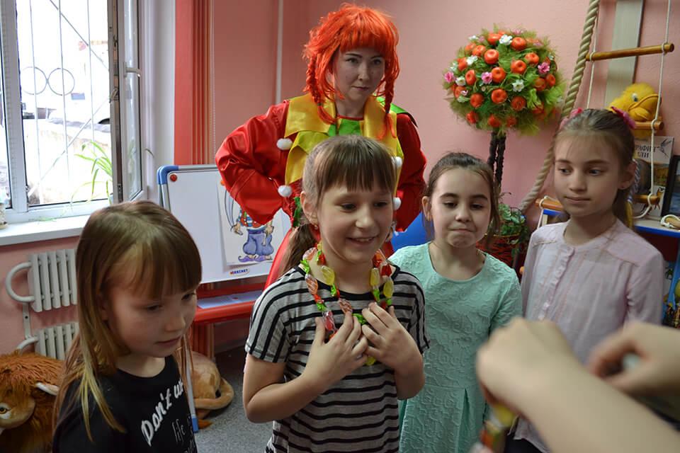 Детский праздник для юной читательницы