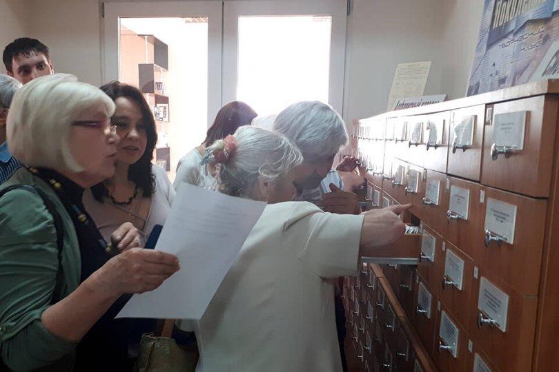 Вид – Homo Bibliophile, среда обитания – библиотека
