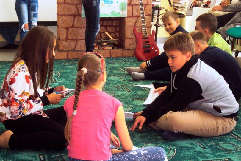 Арт-игра «Дружба – витаминка радости» в детском библиотечном клубе «Монти»