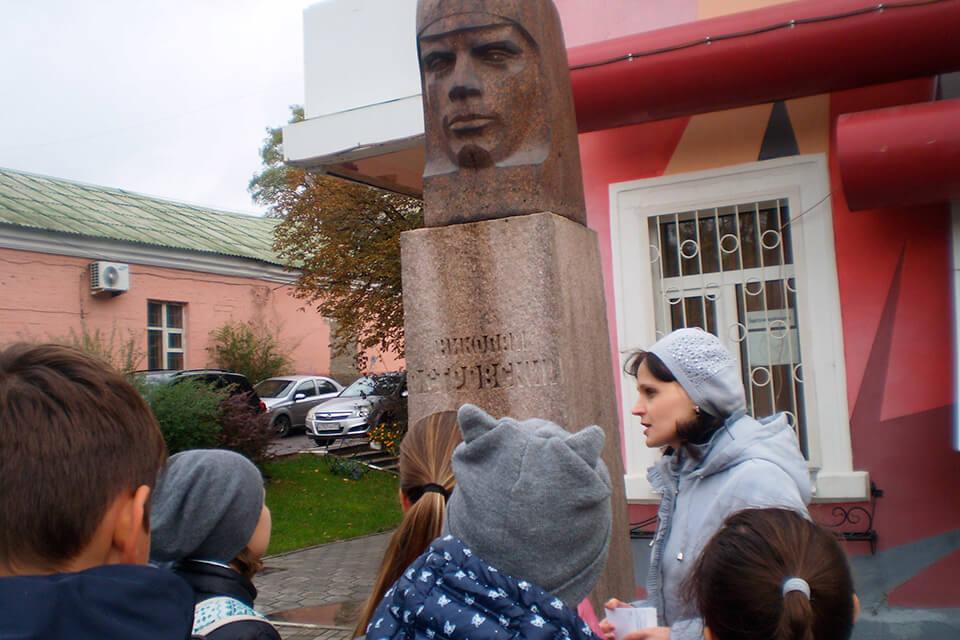 «Что мы знаем об улице Попова»