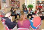 Обучающее занятие в школе волонтеров