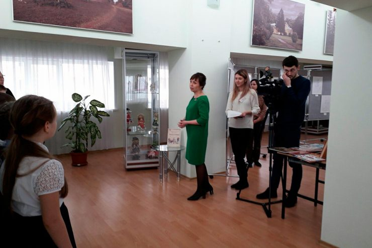 Открытие выставки кукол «Детские воспоминания»